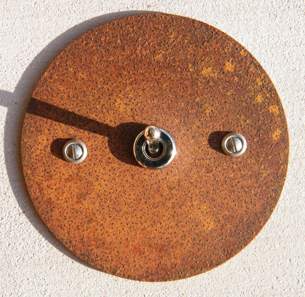 interrupteur rouille rond interrupteurs et prises au. Black Bedroom Furniture Sets. Home Design Ideas