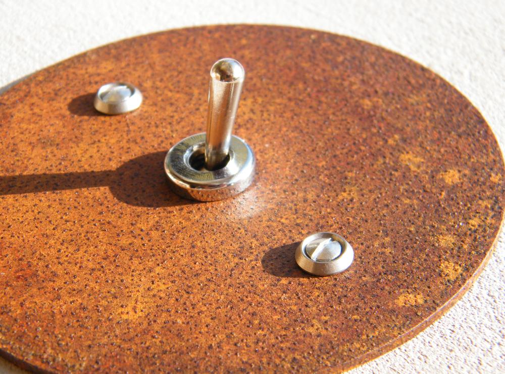 interrupteur rouille rond interrupteurs et prises au design r tro pour une d co vintage. Black Bedroom Furniture Sets. Home Design Ideas