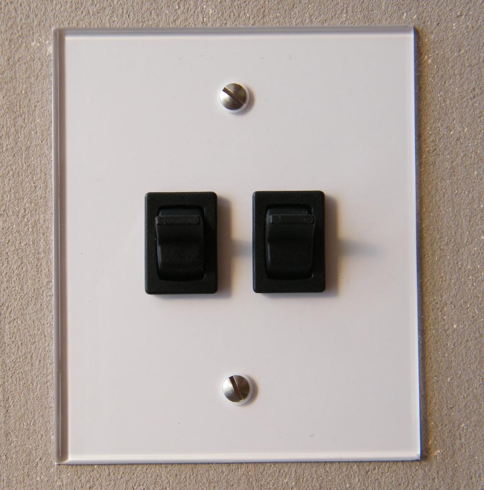 interrupteur double plexi fada interrupteurs et prises. Black Bedroom Furniture Sets. Home Design Ideas