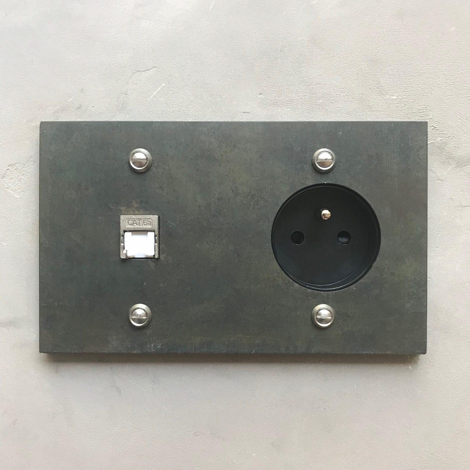 rj45 acier rectangle interrupteurs et prises au design r tro pour une d co vintage. Black Bedroom Furniture Sets. Home Design Ideas